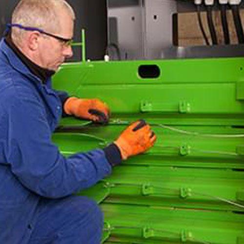 pressa-rifiuti-H80-legatura-4-fili