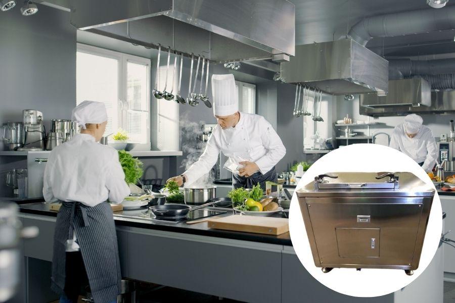 Compostaggio dei rifiuti: compostiere per ristoranti nella cucina.