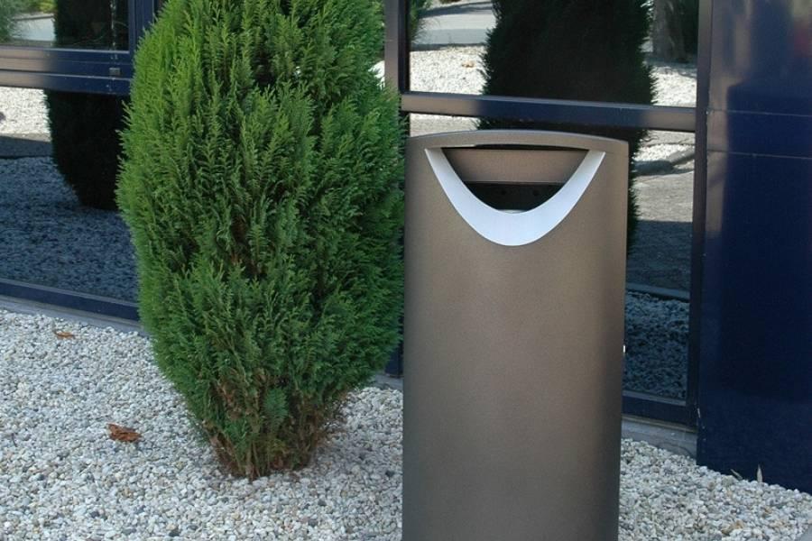 Esempio di cestino di design per arredo urbano